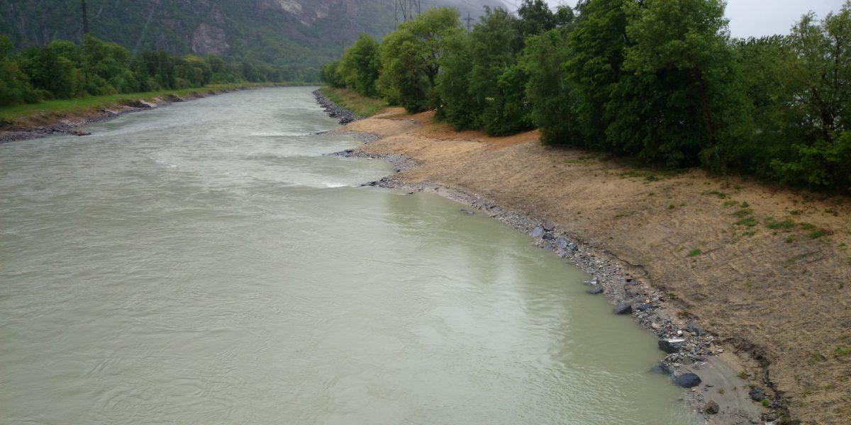 Dorénaz, Rhône, Epis par enrochements
